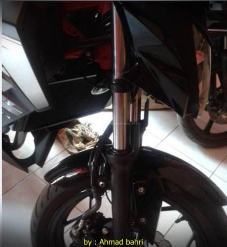 Baru 2 bulan shock Kawasaki Z250SL Bocor part hilang 001 Pertamax7.com