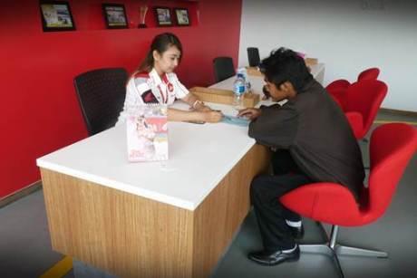 Sebagai jaringan Dealer terbesar di Indonesia, Astra Motor terus berusaha memberikan pelayanan terbaik bagi konsumen melalui frontline people yang ada di setiap jaringan Dealer.