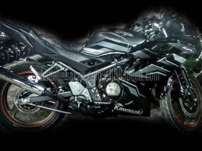 Kawasaki Ninja 150 striping terbaru 2015 003 Pertamax7.com