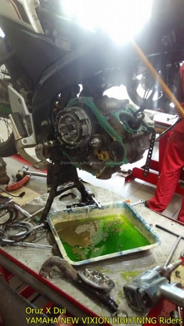 Mesin yamaha New Vixion hancur setelah terjang banjir 002 Pertamax7.com