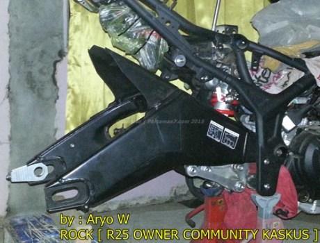Pasang Swing Arm Yamaha R6 di yamaha R25 001 Pertamax7.com
