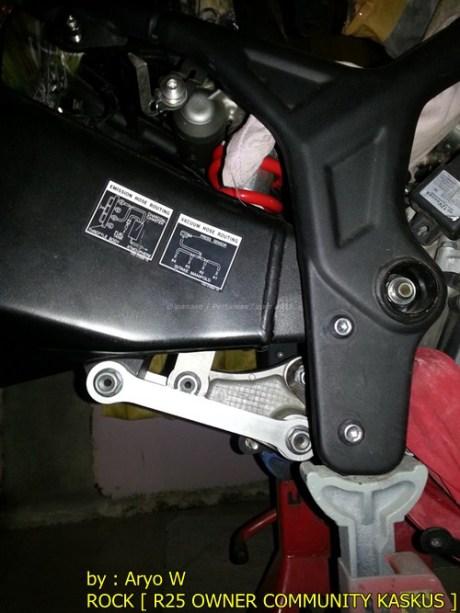 Pasang Swing Arm Yamaha R6 di yamaha R25 005 Pertamax7.com