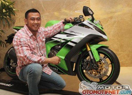 pembeli-pertama-Kawasaki-Ninja-ZX-10R-di Indonesia