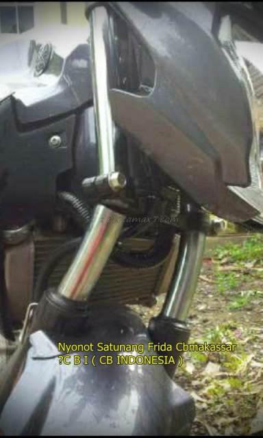 Shock Depan Yamaha New Vixion Ini Patah Usai nge-Rem Mendadak 003 Pertamax7.com