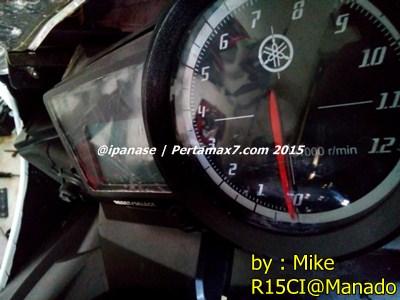 Speedometer yamaha R15 retak karena sinar matahari di Manado 001 Pertamax7.com