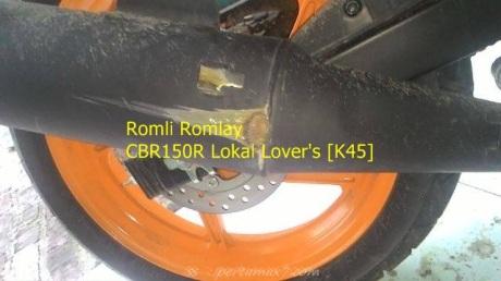 velg Honda CBR150R pecah hajar lubang kecelapatn tinggi kaki kegerus aspal 004