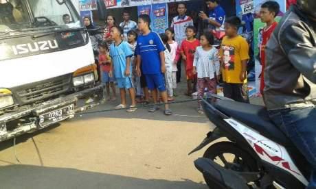 Yamaha Mio M3 Tarik Truk dalam ajang Uji Kekuatan Mio M3 Attack Kampung 003 pertamax7.com