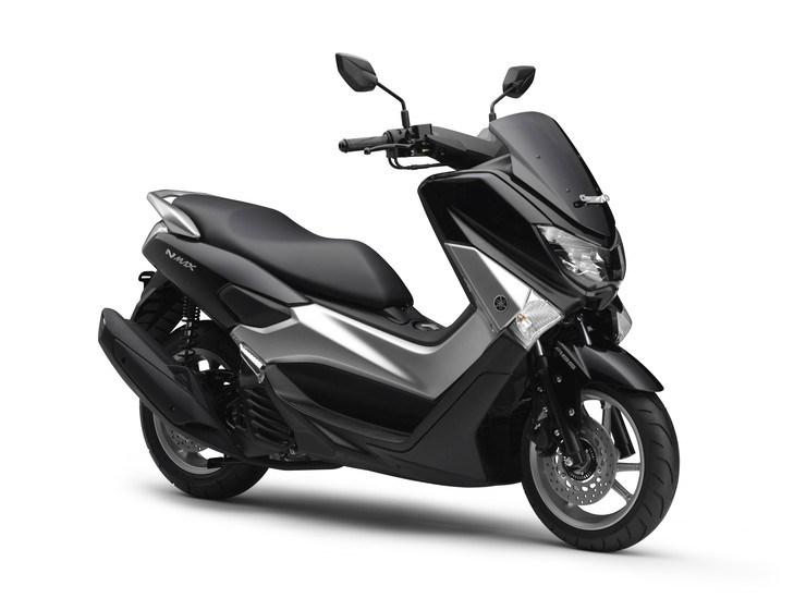 Ini Dia 4 Warna Yamaha NMAX 155 Terbaru 2015 Yang Silver