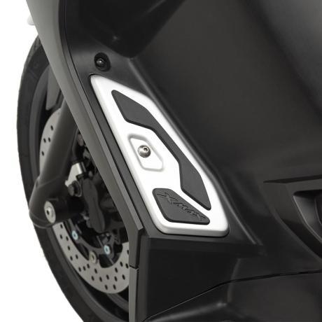 Aksesoris Yamaha NMAX 155 Indonesia berbasis Yamaha XMAX 125 Eropa 002