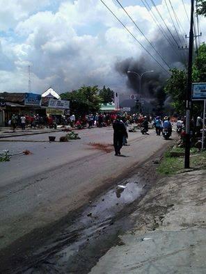 Demo nelayan hancurkan fasilitas kota Batang Jawa Tengah Pantura Macet 003
