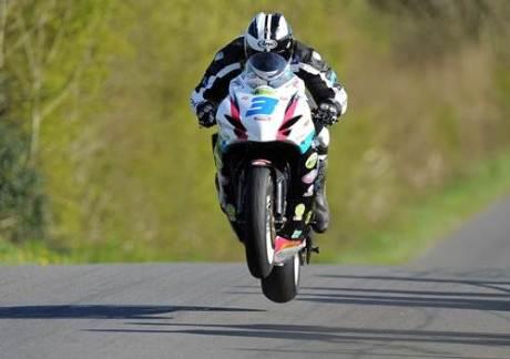isle man of tt flying motorcycle
