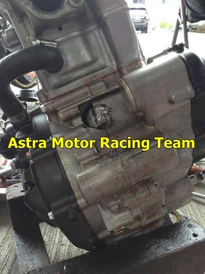 mesin honda CBR150R pecah saat balap