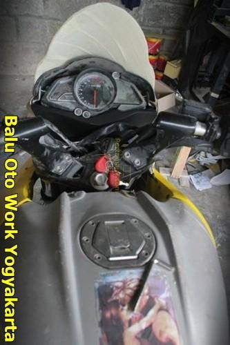 Modifikasi Kawasaki Bajaj Pulsar 200NS Jadi Bajaj Pulsar 200 AS ala balu Oto Work 002 Pertamax7.com