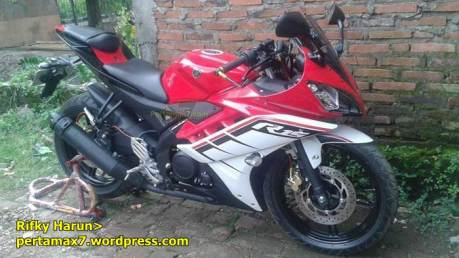 modifikasi yamaha R15 lama striping R15 facelift 2015