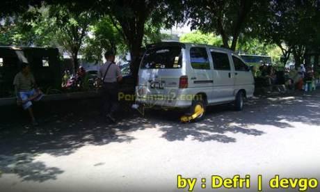 Parkir Sembarangan Roda di gembok Petugas di Solo 005 Pertamax7.com
