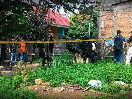 Penggerebekan diduga ISIS di Bekasi indonesia 005 Pertamax7.com
