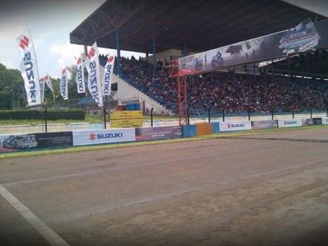 Spanduk Harapan fans suzuki menungu motor sport 001 Pertamax7.com
