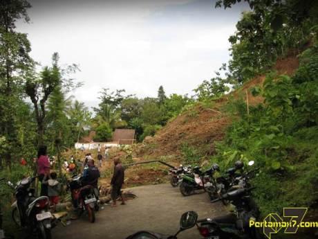 Tanah Longsor Landa Bukit Menoreh Kulonprogo 000 Pertamax7.com