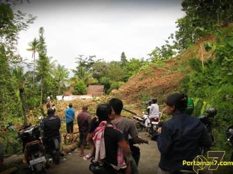 Tanah Longsor Landa Bukit Menoreh Kulonprogo 003 Pertamax7.com