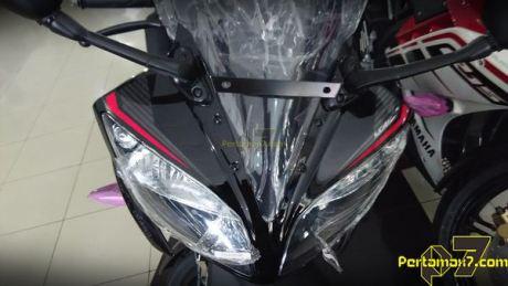 Yamaha R15 Facelift 2015 striping baru 007 Pertamax7.com