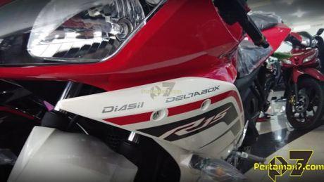 Yamaha R15 Facelift 2015 striping baru 010 Pertamax7.com