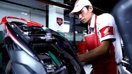 205 jaringan AHASS di wilayah DIY, Kedu, dan Banyumas siap memberikan pelayanan terbaik bagi pelanggan Honda. Khusus tanggal 21 April dalam peringatan Hari Kartini ada diskon 21% untuk setiap pelanggan