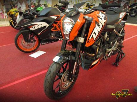 bertemu KTM DUKE 200 di SOlo jawa tengah 001 Pertamax7.com