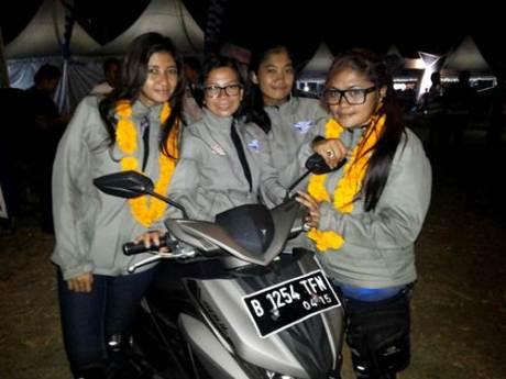 Empat wanita peserta Tour de Soul naik All New Soul GT 125 dari Jakarta ke Bali