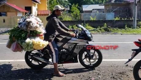 honda CBR150R lokal buat jualan sayur di Nusa Tenggara Barat