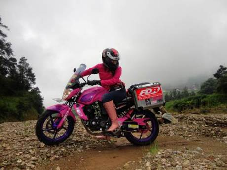 Lady Biker Solo Riding Beber Yamaha Byson Pink Malang Jepara Jakarta dalam EKSPEDISI KARTINI 08  Pertamax7.com