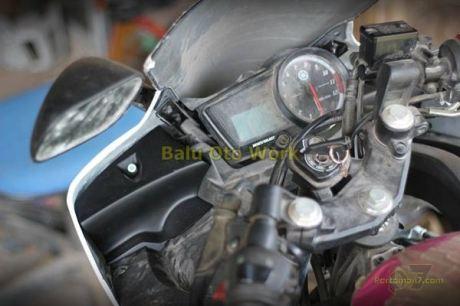 Modifikasi Yamaha R15 bermata Alien Ballu Oto Work 000 Pertamax7.com