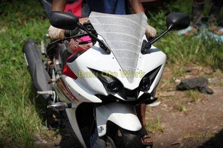 Modifikasi Yamaha R15 bermata Alien Ballu Oto Work 003 Pertamax7.com