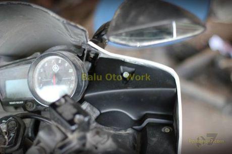 Modifikasi Yamaha R15 bermata Alien Ballu Oto Work 004 Pertamax7.com