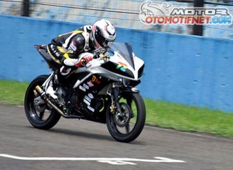 modifikasi Yamaha R15-Juara-Sunday-Race-BPro-Ilegal-Racing-1