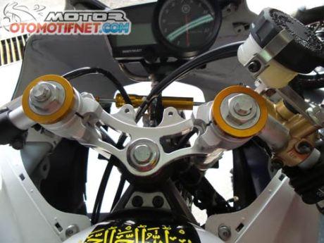 modifikasi Yamaha R15-Juara-Sunday-Race-BPro-Ilegal-Racing-2