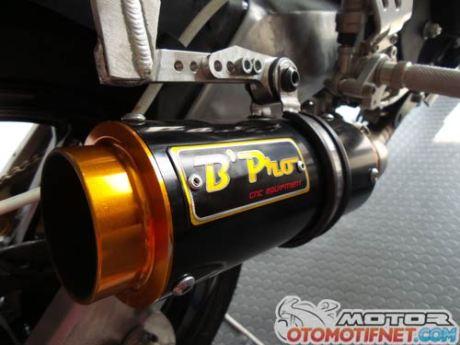 modifikasi Yamaha R15-Juara-Sunday-Race-BPro-Ilegal-Racing-5
