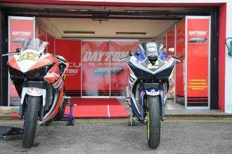naik Motor 250 CC hendra rusbule  podium lawan yamaha R25 bored up 280 cc di yamaha sunday race 2015001 Pertamax7.com