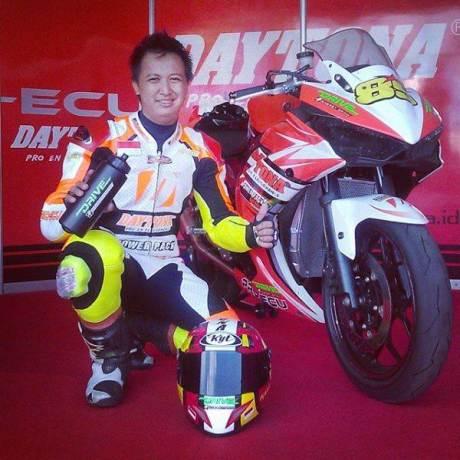 naik Motor 250 CC hendra rusbule  podium lawan yamaha R25 bored up 280 cc di yamaha sunday race 2015005 Pertamax7.com