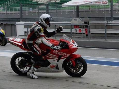 Dimas Ekky Pratama (#20), pebalap berbakat binaan AHM siap bertanding di ARRC kelas Supersport 600cc.
