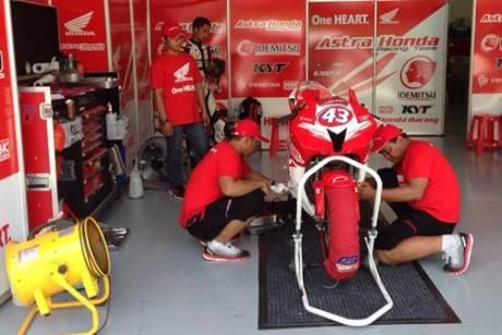 Tim balap AHRT, siap melebihi prestasi tahun lalu dalam kejuaraan balap bergengsi Asia, ARRC 2015.