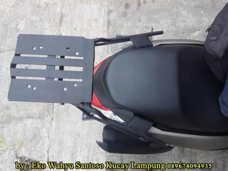 Pemasangan Braket Box Geser Kucay Lampung Yamaha Nmax 01  Pertamax7.com