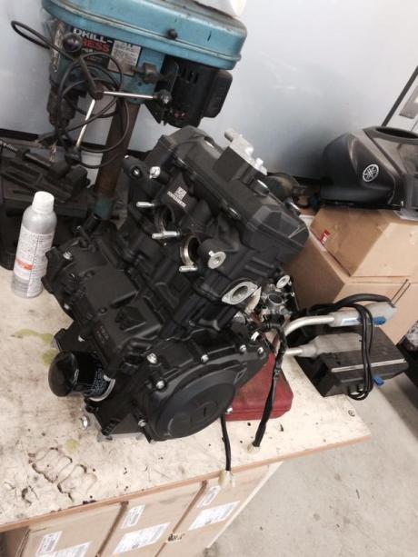 Training mekanik Yamaha R25 di Jepang 01Pertamax7.com