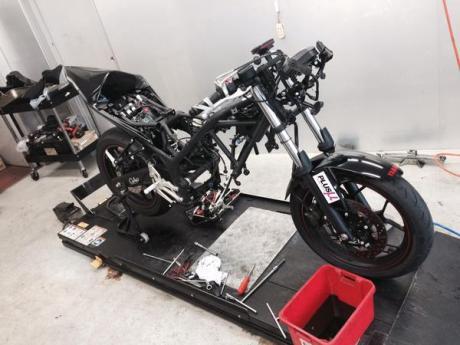 Training mekanik Yamaha R25 di Jepang 02Pertamax7.com