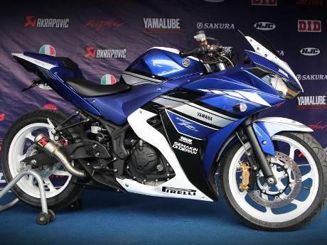 Yamaha R25 Special edition akrapovic muffler and velg chemco 000 Pertamax7.com