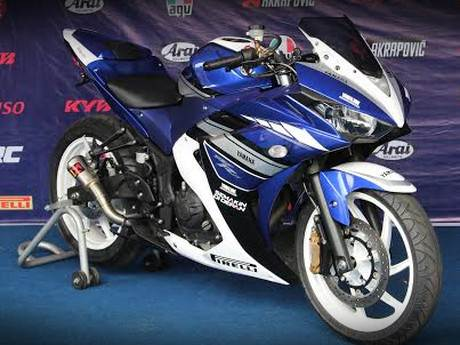 Yamaha R25 Special edition akrapovic muffler and velg chemco 001 Pertamax7.com