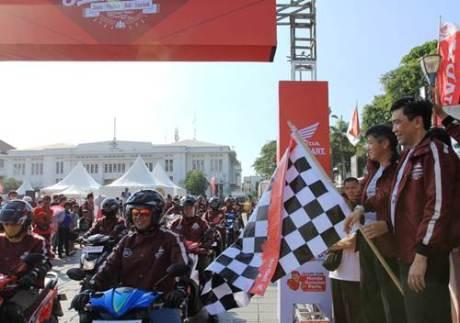 AHM ajak 150 rider touring wisata lintasi 3 pulau Jawa bali Lombok 00 pertamax7.com