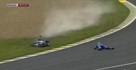 Aleix Espargaro Crash Hi SIde Motogp Le Mans france 2015 08Pertamax7.com