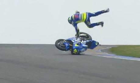 Aleix Espargaro Crash Hi SIde Motogp Le Mans france 2015 12Pertamax7.com