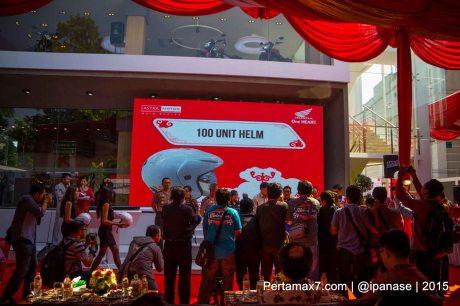 Astra Motor Bagikan 100 Helm SNI Untuk Komunitas Motor HOnda Yogyakarta_-2