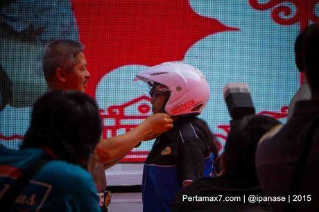 Astra Motor Bagikan 100 Helm SNI Untuk Komunitas Motor HOnda Yogyakarta_-3